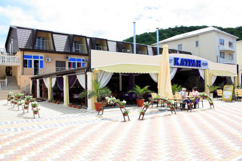 Кафе «Катран» в Новомихайловском